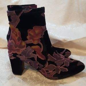 Steve Madden Burnt out Black Velvet Floral Booties